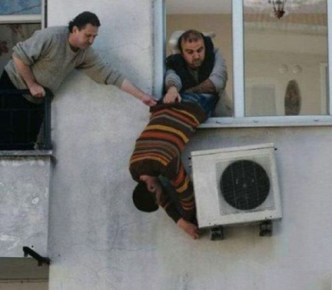 crazy-aircon-installers10-480x420